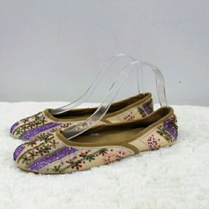 Dearforms vintage beaded cream slipper flats